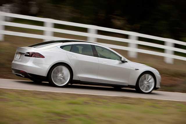 Samochód elektryczny Tesla Model S