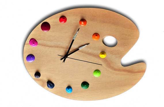 Zegar z palety malarskiej