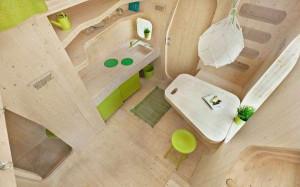 Mały drewniany domek